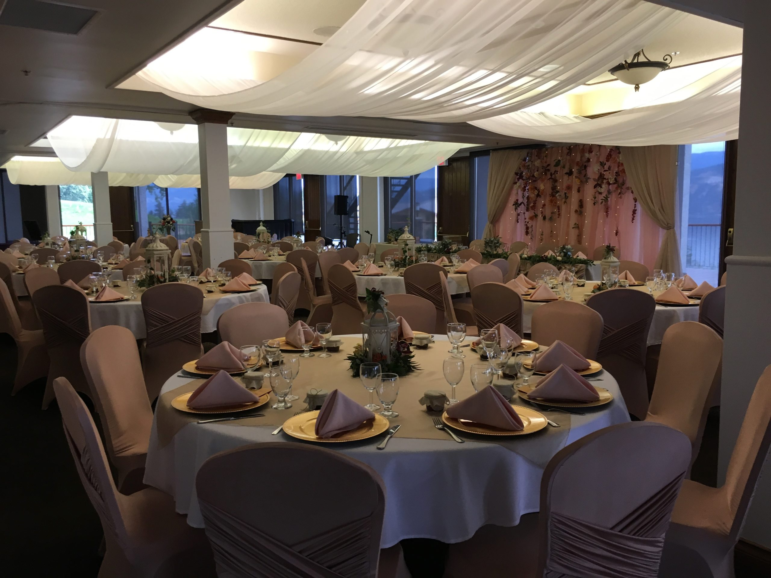 Wedding Reception With Pink Theme Hosted At The Okanagan Beach Club